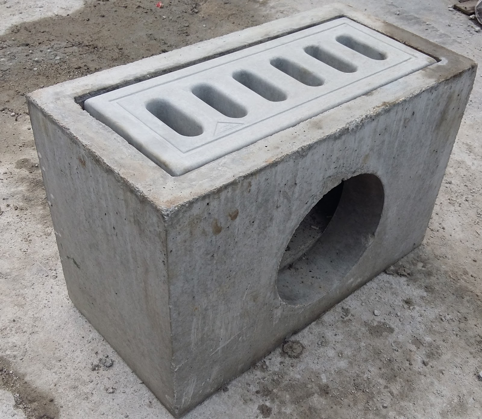 Precast Concrete Pits : Precast compressed slab concrete grating catch pit