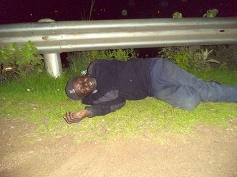 SHAME! This Kenyan policeman drunk himself silly and forgot his duties ...