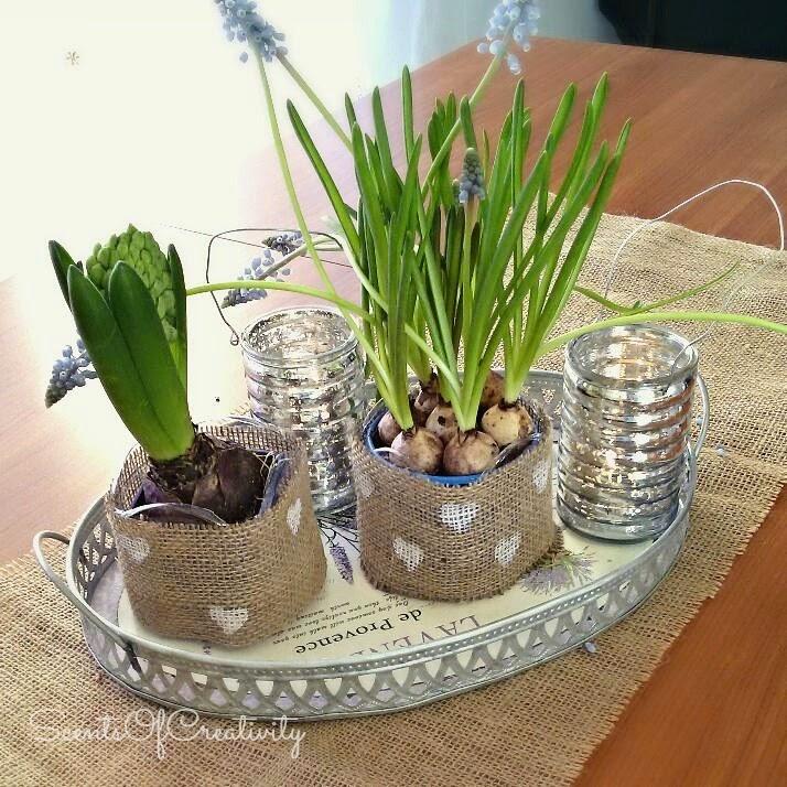 Come creare porta vasi stile shabby riciclando le for Vasi con bottiglie di plastica