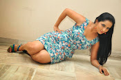 Ishika singh latest sizzling pics-thumbnail-4