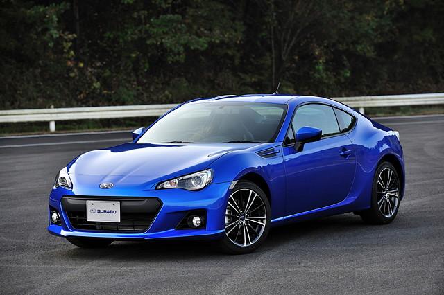 Subaru BRZ, japoński sportowy samochód, boxer, RWD
