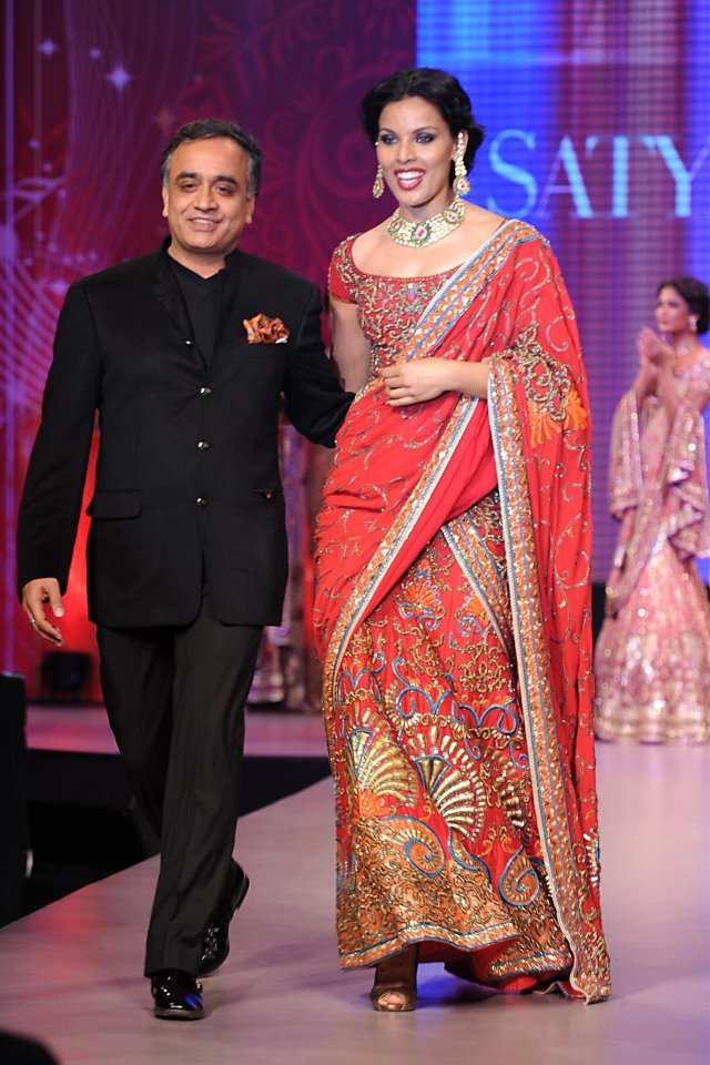 Satya Paul Bridal Wear Showcased at Filmfare Pre-Awards 2012