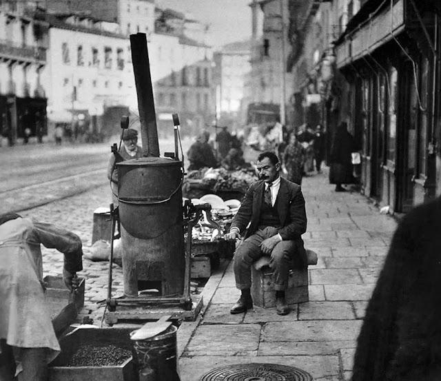 Calle Toledo, tostadores de café, Madrid 1920