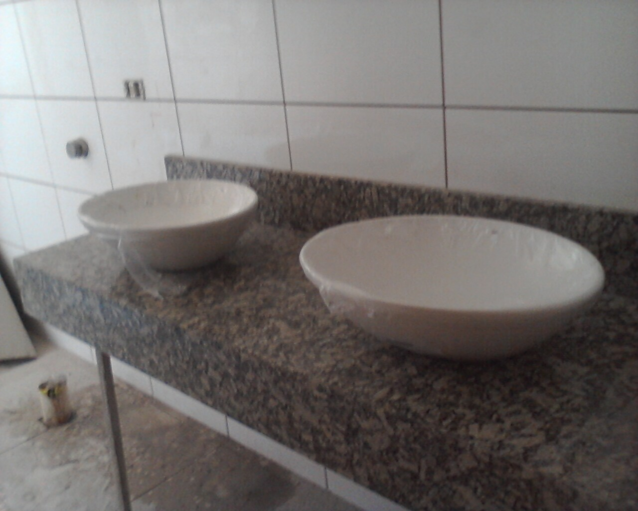 Portas e Guarnições Instaladas e granito cozinha e banheiro pronto #635750 1280 1024