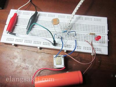 Skema Rangkaian Sensor Cahaya LDR