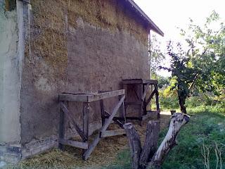 Оштукатуривание тыльной стены здания