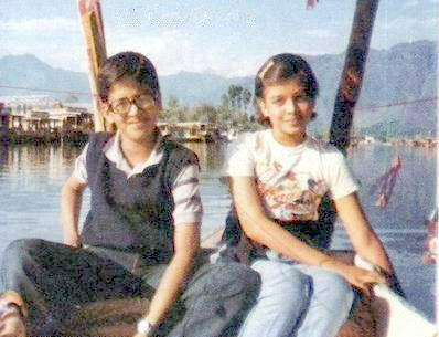 childhood photos of aishwarya rai with brother in Vacation