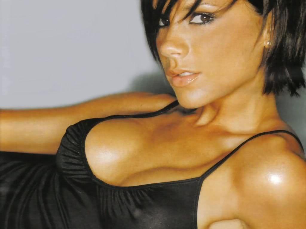 victoria adams desnuda: