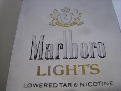 Toko Antiek Retro Vintage Collector Item Elite Cigarette Box Kotak Rokok Marlboro Lights Era