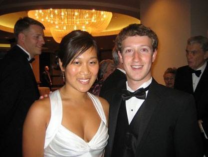 Facebook Founder Mark Zuckerberg And His Girlfriend 01