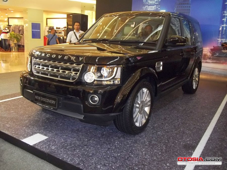 PT Grandauto Dynamics ( GAD ), the official importer and distributor of Jaguar and Land Rover, Land Rover released the Discovery Indonesia at Senayan City,  Jakarta, Saturday ( 22/3 ).