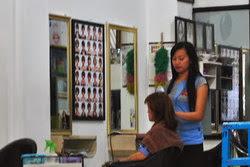 Potong rambut di salon