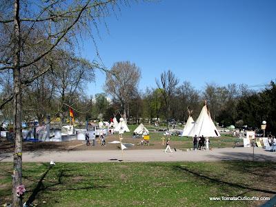 protestatari in parc