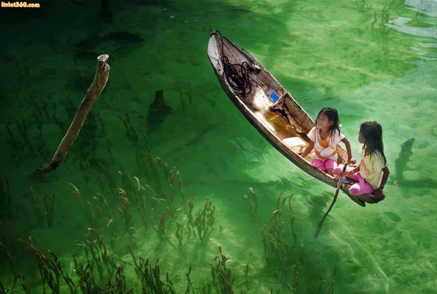 """Chùm hình ảnh đẹp nghệ thuật về """"tuổi thơ tôi"""" đi thuyền"""