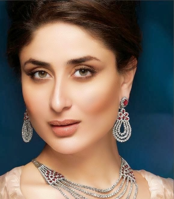 Kareena Kapoor khan :Kareena Kapoor khan Looks Very Hot & Gorgeous In Her Advertisements (HD Photos)