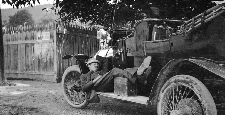 1920s_transyl_chauffeur.JPG