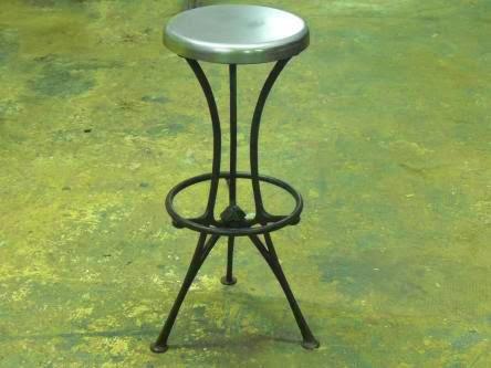 Taburete Acero, estilo industrial vintage.