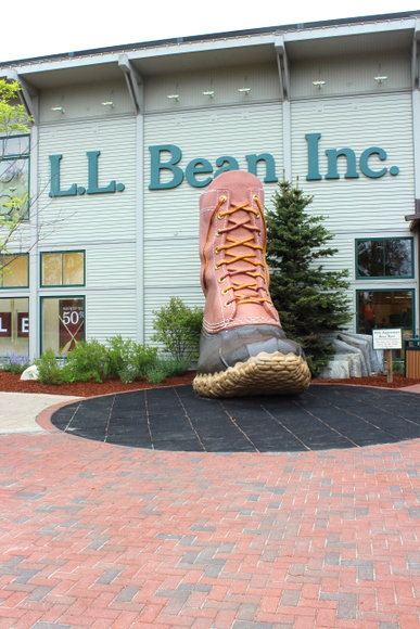 This L.L. Bean Inc. store has a huge statue of a boot in front.
