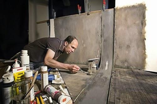 03-Frank-Kunert-Confronting-our-Lives-in-Miniature-Sculptures-www-designstack-co
