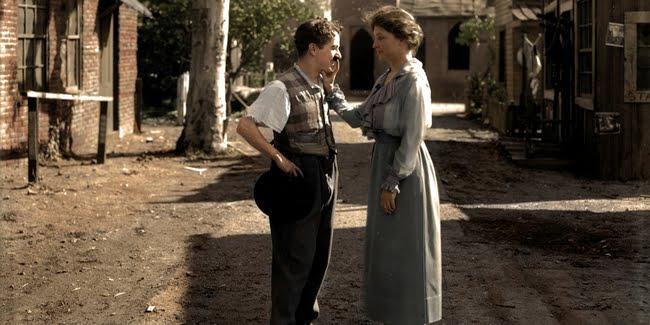 Hellen Keller meeting comedian Charlie Chaplin in 1918.