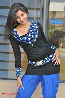 Vinisha Naidu  Picture Gallery in Black Dress  0019.jpg