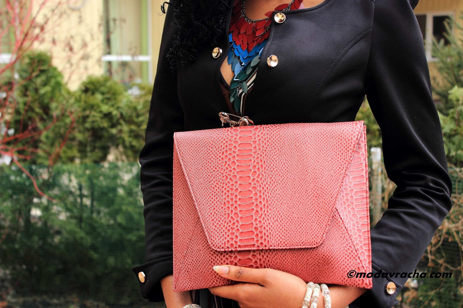 Nigerian fashion blogger modavracha with pieces lori clutch