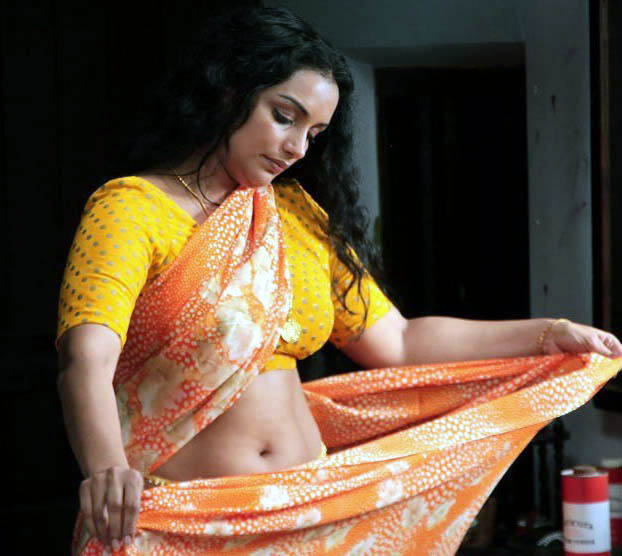 rathi nirvedam movie spicy actress pics