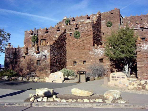 Дома индейцы строят из камней