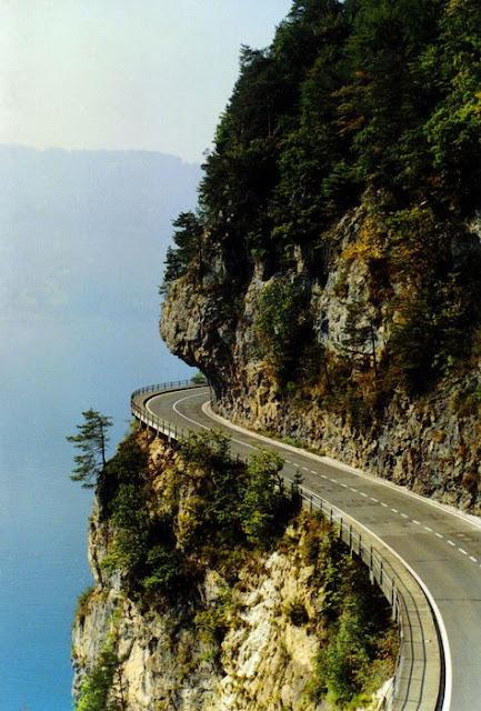 பாதுக்காப்பா(அ)ஆபத்தா...பார்த்தால் புரியும் Hill+road