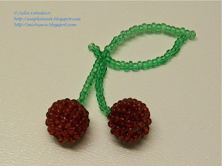 Cherries out of seed beads and round beads