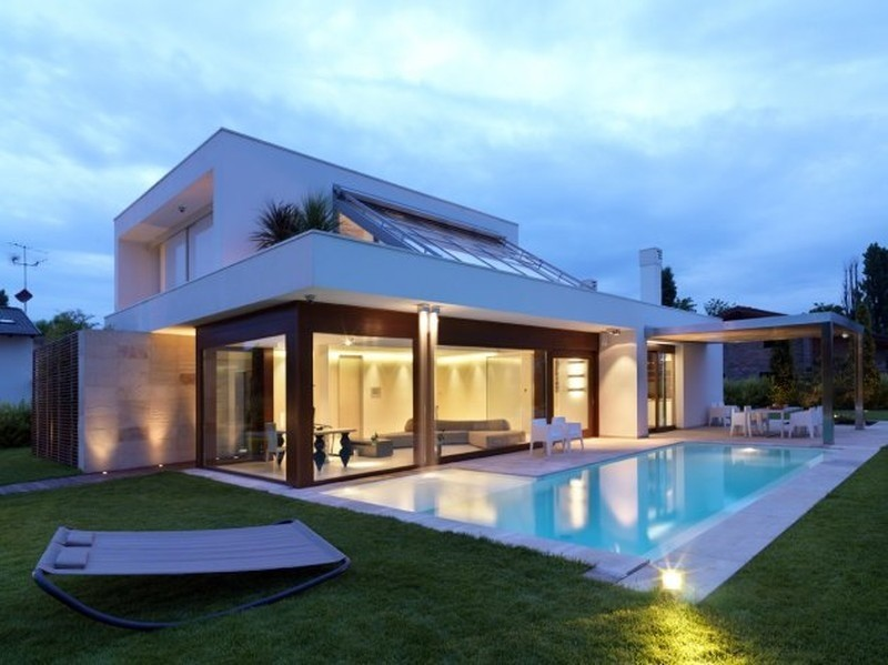 Modern italian design house duilio damilano modern house for Italian pool design 7