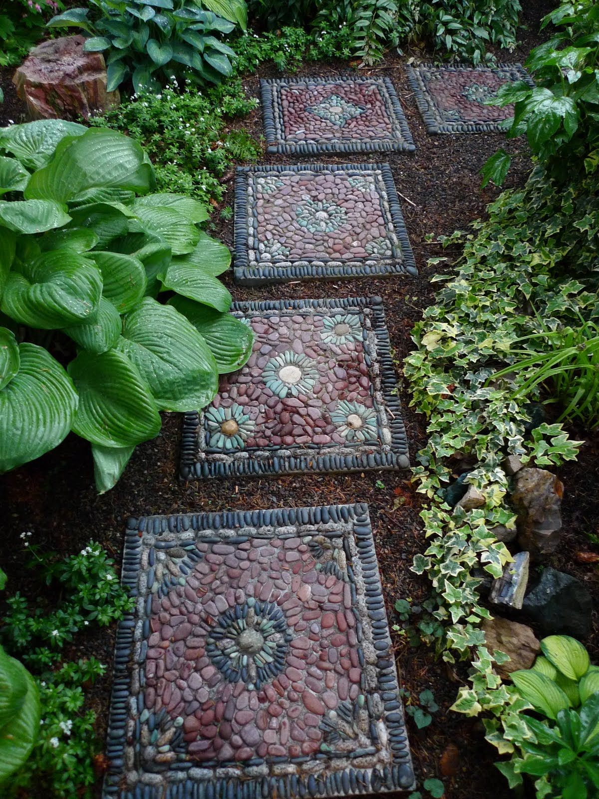 Jeffrey Bale's World of Gardens: Building a Pebble Mosaic Stepping on