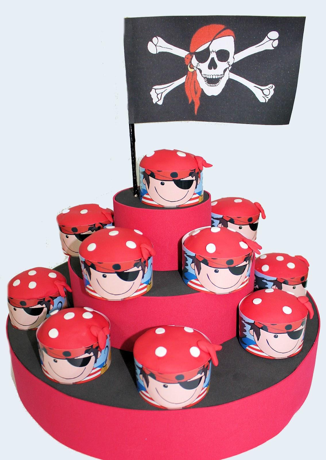 Nuestros cupcakes de piratas hechos con rollers