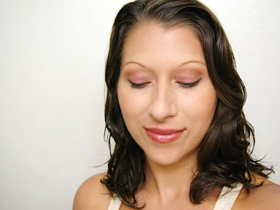 http://www.krisztinawilliams.com/2015/06/quick-and-easy-summer-makeup-with-one.html