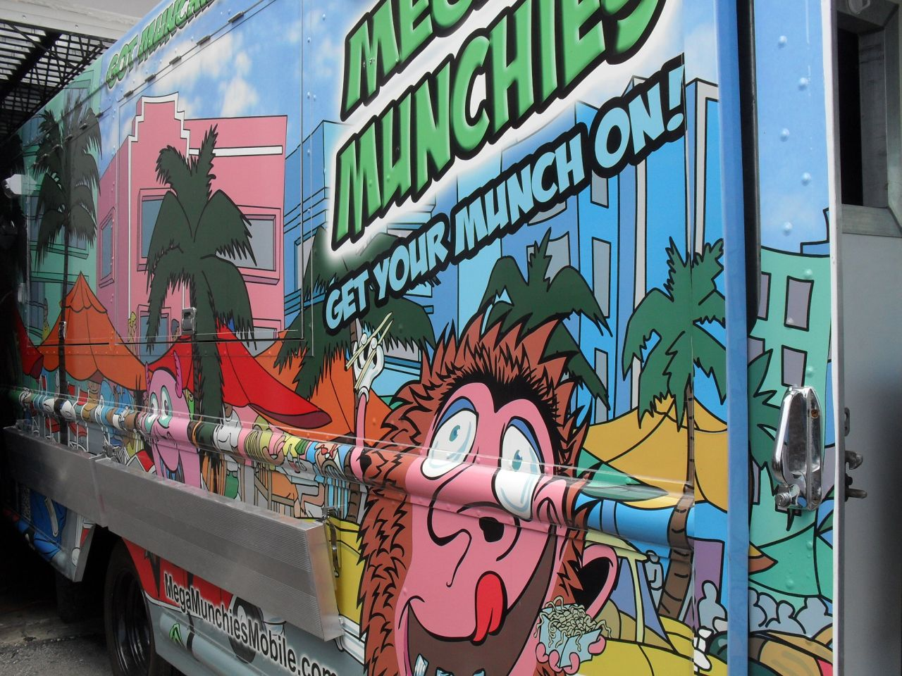 events and fun in south beach miami food truck night august 9. Black Bedroom Furniture Sets. Home Design Ideas