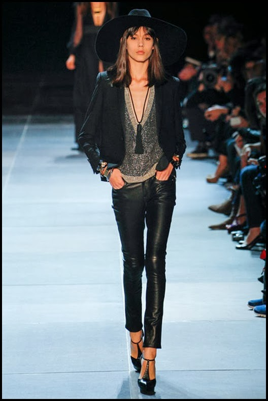 saint-laurent-defile