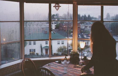 Con la ventana abierta