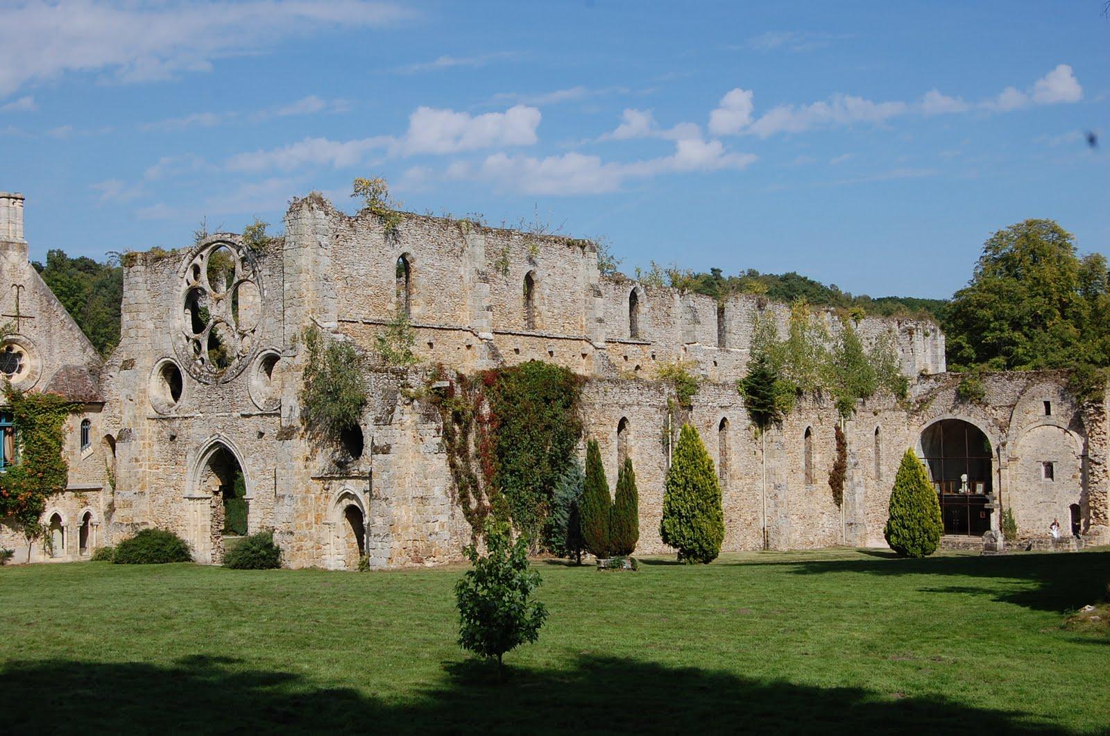 Lanka abbaye des vaux de cernay for Abbaye des vaux de cernay piscine
