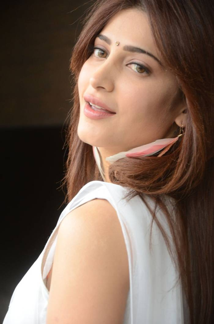 Celebrities-Gallery: Shruti Hassan Latest Photoshoot 2013
