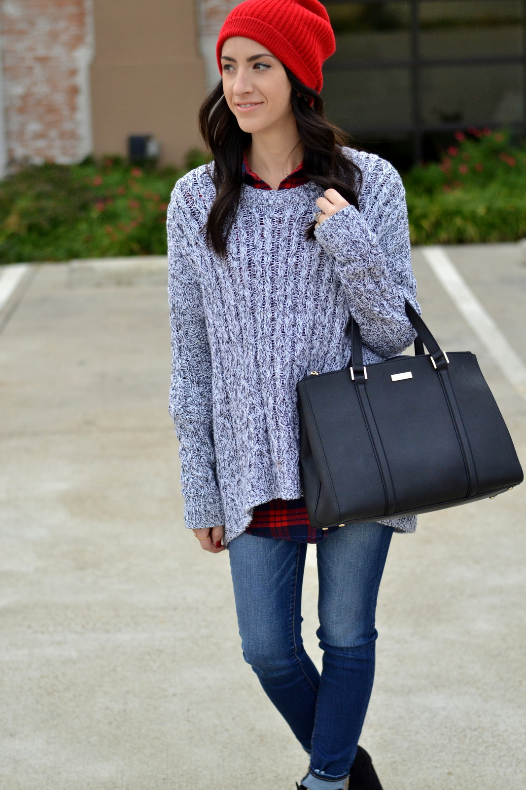 Winter Layers_Black Purse_Knit Sweater_Flannel