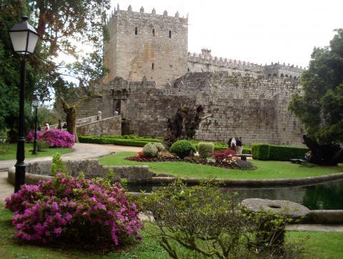 Jardines del castillo de soutomaior for Jardines galicia