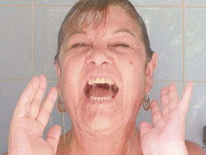 Daisy en la ducha