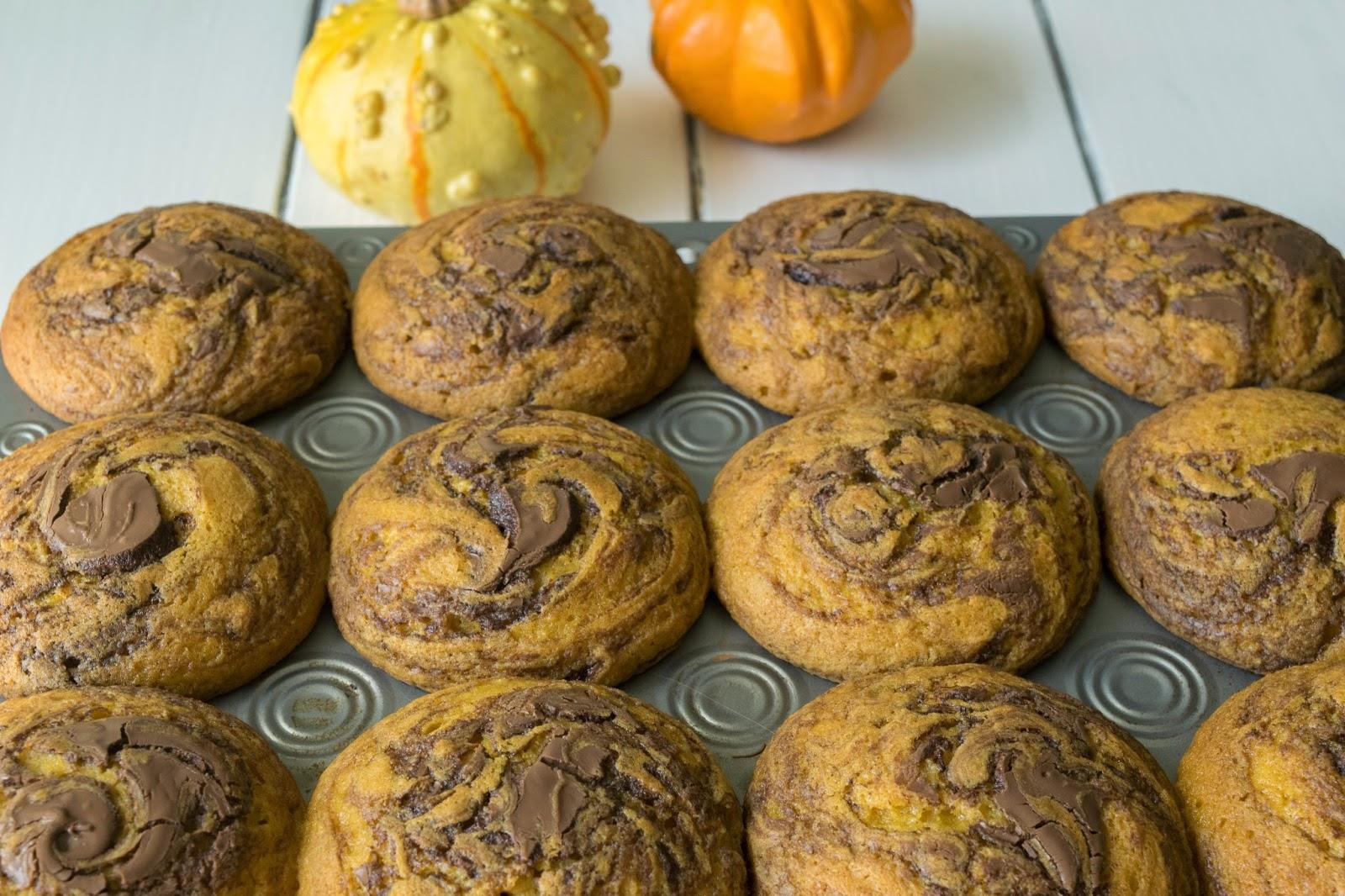 Pumpkin%2Bchocolate%2Bswirl%2Bmuffins13.jpg