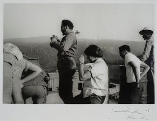 Ché Mirando con Anteojos (1960) by Korda