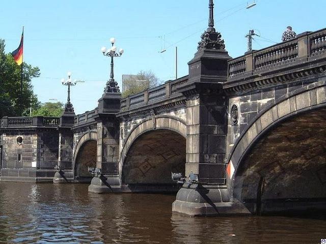 جسر+ثقف+نفسك+1 مدينة الجسور في هامبورغ