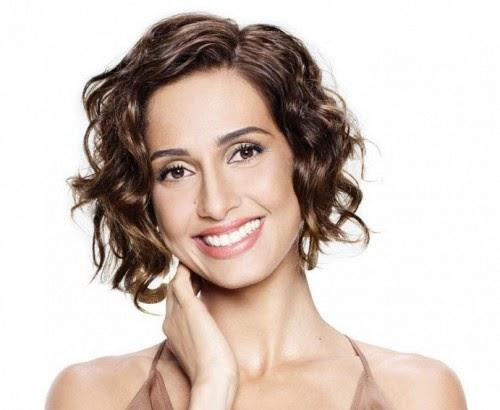famosas-brasileiras-cabelos-cacheados-naturais-camila-pitanga