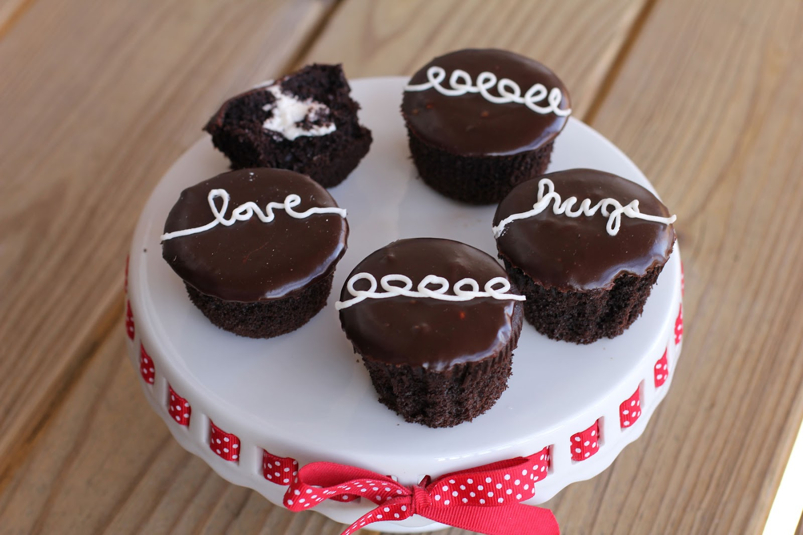 Cookie Sheets and Cake Pans: Homemade Hostess Cupcakes