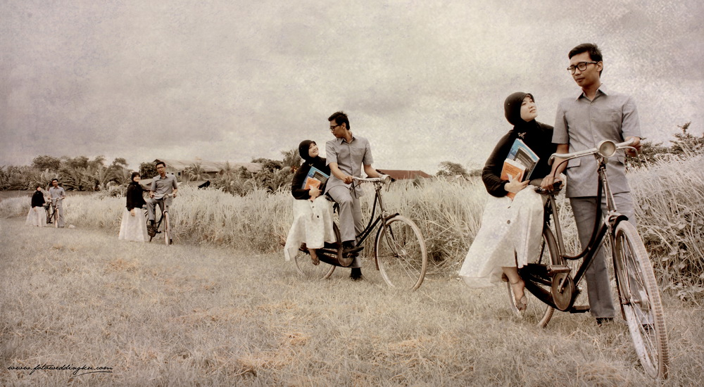 pre-wedding-outdoor-jadul-muslim1.jpg