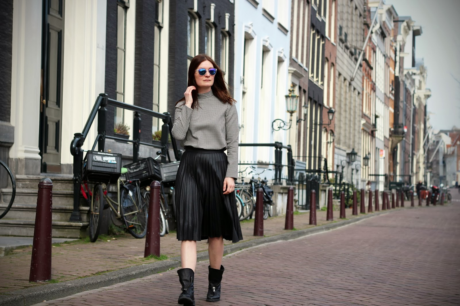 mirrored sunglasses sandro outfit fashion blogger