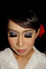 SMOKEY EYES